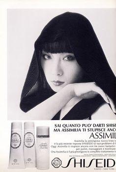 beauty-is-a-warm-gun: Vibeke in Valentino Yamaguchi, Claude Monet, Vincent Van Gogh, Pop Art Design, Graphic Design, Twiggy Model, Beauty Ad, Japanese Poster, Ad Art