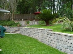 Retaining Wall - love this would like my back yard to have a wall like this.