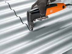 FEIN BLK 1.6 E Nibbler up to 16 gauge universal nibbler for sheets, profiles, trapezoid and corrugated sheet metal. Sheet Metal Tools, Sheet Metal Work, Corrugated Sheets, Corrugated Metal, Roofing Tools, Pipe Furniture, Furniture Design, Furniture Vintage, Welding Tools