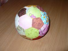 """Prezentuję Wam tutorial """"Jak uszyć patchworkową piłkę"""". English version soon :)  Szycie jest dość przyjemne, łatwe i nie wymaga maszyny!..."""