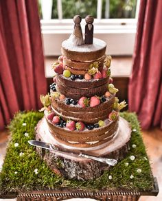 Lovely country wedding naked cake