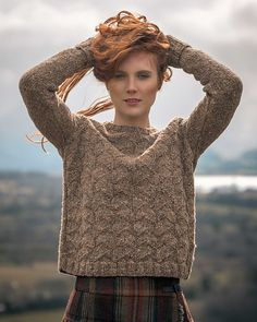 Thanks ulrikeveenhof for this post.Mirehouse pattern by Fiona Alice.Some places call to you and you have to return again and again and some are so special that they beg you to stay and never leave. Fell Garth II is a collection of 19 pieces sh# Alice Hand Knitted Sweaters, Sweater Knitting Patterns, Knitting Designs, Knit Patterns, Free Knitting, Knitting Sweaters, Handgestrickte Pullover, How To Purl Knit, Pulls