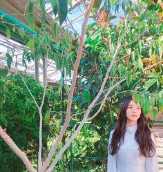 [Vyrl] Irene RedVelvet : #STATION '#WouldU' 뮤직비디오 촬영 현장에서 배우 #김민재 와 풋풋한 케미 발산 중인 #아이린 (옆으로