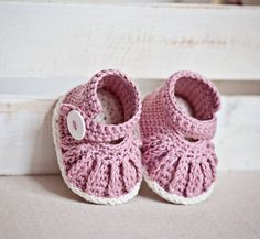 Crochet PATTERN   Chain Mary Janes 0-66-12 by monpetitviolon