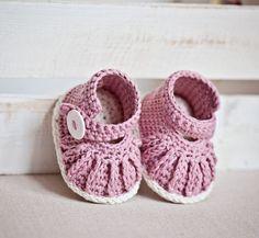Instant download - Crochet PATTERN per stivaletti bambino (file pdf) - catena Mary Janes (6,6-0-12 mesi)