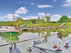 Wunderschönes Hausboot auf dem Fluss Po in Italien. #Hausboot #travel #Urlaub #holidays #Ferienwohnung #summer #imUrlaubwiezuhausefühlen