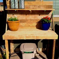 Potting bench out of pallets!
