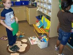 """The person who is standing on this rug gets to make their choice next.what a genius idea to cut out the pushing and shoving and the """"I was here first. Daily 5 Kindergarten, Daily 3 Math, Daily 5 Reading, Guided Reading, Reading Strategies, Reading Skills, First Grade Blogs, Daily Five Cafe, 2nd Grade Ela"""