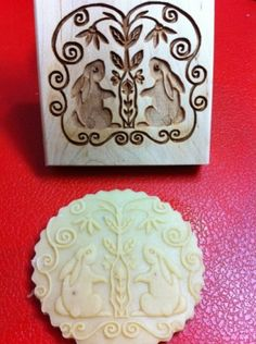 "Cookie mold press "" Curious Bunnies"