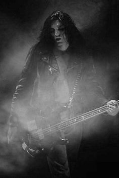Peter Steele *sigh* - oh my god I love this picture...