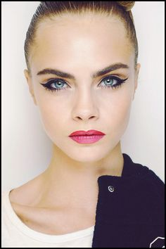 cat eye look. Here's how to do it on yourself.