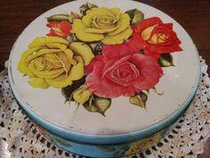 Vintage cake tin from eyecandy vintage