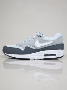 NIKE SPORTSWEAR 537383 010 AIR MAX 1 ESSENTIAL Scarpe Basse - dk grey - white - silver € 135,00 - See more at: http://www.moveshop.it/ecommerce/index.php/it/articolo/38872/7538/537383%20010%20AIR%20MAX%201%20ESSENTIAL#sthash.aKkiYwPP.dpuf