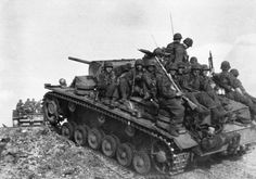 Panzer III Ausf M loaded with Panzergrenadiers