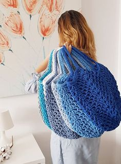 100% handmade crochet Net Bag. Important about Andrea M Collection bags: can be worn all year round and are fully washable (30 degrees) not to mention trendy colors and fashionable shape. Variety of colors available. Crochet Rope, Double Crochet, Crochet Stitches, Pdf Patterns, Crochet Patterns, Net Bag, Granny Square Bag, Crochet Handbags, Crochet Bags