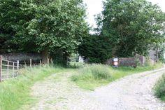 Ce dimanche après midi, je me suis permis une petite ballade à Hougoumont pour me diriger par la suite à la ferme de la Belle-Alliance avec comme retour, la chaussée de Charleroi, la Haie Sainte et le Hameau du Lion comme arrêt final au Cambronne! En...