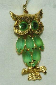 Incredible Gold tone & Peridot Green  Rhinestone Articulated Owl Pendant