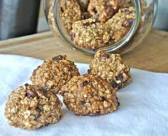 Banana Oat Cookies     2 Bananas, 1 tsp Cinnamon, 2 tbsp Honey, 1/4 Cup Olive Oil,  1/4 Cup  Dates     1/4 Cup Chocolate Chips     2 Cups Quick Oats