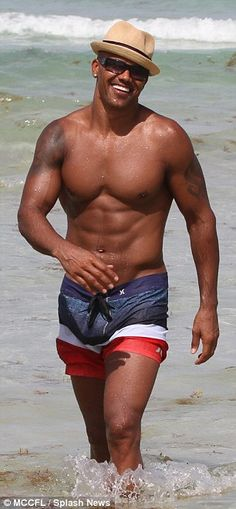 """"""""""" Shemar Moore shows off his ripped physique on Miami's South Beach """""""" He's a prize: Shemar hammed it up for the cameras too as he cooled off in the ocean """""""" Fine Black Men, Handsome Black Men, Sherman Moore, Chocolate Men, South Beach Miami, Model Look, Raining Men, Celebrity Dads, Good Looking Men"""