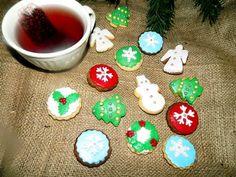 Retete festive pentru Craciun, Revelion, Paste Paste, Gin, Christmas Ornaments, Holiday Decor, Food, Christmas Jewelry, Essen, Meals, Jeans