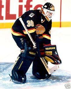 Kay Whitmore - Vancouver Canucks Goalie Ice Hockey Teams, Hockey Goalie, Hockey Games, Field Hockey, Hockey Players, Hockey Stuff, San Jose Sharks, Vancouver Canucks, Nhl