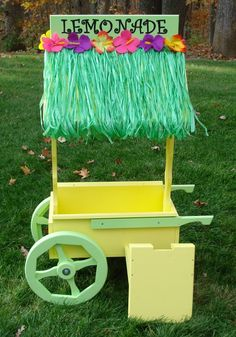 Handmade Kids Lemonade Stand.   SO AWESOME! I'll sit in front of my house with a sign for $.25/glass with this thing (Isaac or not).
