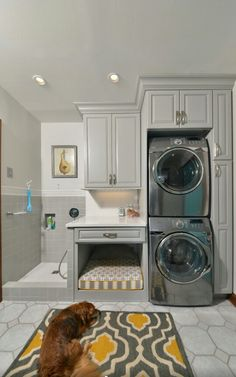 Laundry slash pet wash room Laundry Room Design, Laundry Rooms, Doing Laundry, Kitchen Units, Breezeway, Stacked Washer Dryer, Washer And Dryer, Fashion Room, Pet Beds