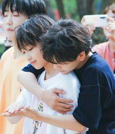 Jooheon, Asian Boy Band, Jungkook Selca, Things To Do With Boys, Asian Kids, Chinese Boy, Cute Gay, Gay Couple, Young Boys