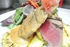 Bienvenue au restaurant La Vague. Savourez le goût de la fusion de cuisine asiatique et française. Apportez votre vin. Bons Plans, Tuna, Steak, Restaurant, Fish, Asian Cuisine, Welcome, Diner Restaurant, Steaks