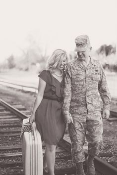 Courtney and Denny, a member of the United States Air Force, incorporated the American flag in their patriotic engagement session.