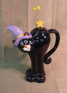 shopgoodwill.com: Ceramic Halloween Black Cat Teapot Tea Cup Saucer, Tea Cups, Cute Teapot, Teapots Unique, Teapots And Cups, Ceramic Teapots, Chocolate Pots, Tea Time, Tea Party