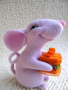 Just saw Stuart Little with my granddaughter and this reminds me of that cute little mouse!