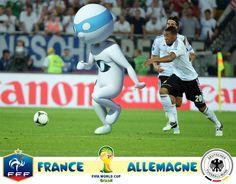 Encore une belle victoire qui propulse nos bleus en quart de finale ! C'est la Mannschaft qui se trouve sur la route de l'équipe de France. Super Yonis sera comme toujours le premier supporter de cette équipe de France. Yonis-Shop.com