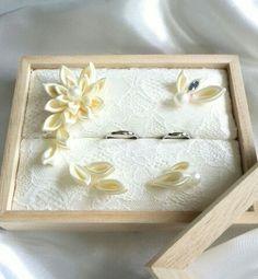 蓋付リングピロー 和 オフホワイト Japanese Wedding, Ring Pillows, Ring Pillow Wedding, Cushion Ring, Ribbon Art, Rose Wedding, Hobbies And Crafts, Wedding Venues, Marriage