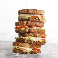 Tomato-Avocado Grilled Cheese Tired of traditional grilled cheese sandwiches? Try this variation. A creamy spread of avocado is a perfect complement to tomato and Monterey Jack cheese in our take on the classic sandwich. Grilled Sandwich Recipe, Soup And Sandwich, Sandwich Recipes, Grilled Cheese Avocado, Grilled Cheese Recipes, Grilled Cheeses, Grilled Food, Sandwiches, Comida Latina