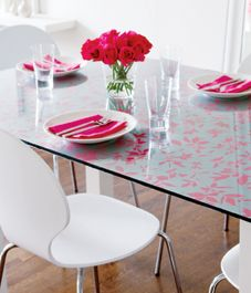7 stylish DIY wallpaper projects - wallpaper under glass tabletop.Change it whenever you want.