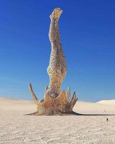 Ces improbables monuments qui défient toutes les lois de la physique et de la gravité semblent presque réels