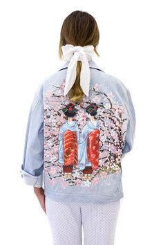 Jeans jacket with hand painting, geisha picture, cherry blossom #achers#jeans#jacket#cherryblossom#geisha#handpainting#jeansjacket#onesizejacket