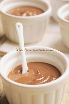 crème bio choco vegan 1l de lait soja vanille · 60 g de farine de petit épeautre · 6 cuil. à soupe de sirop d'agave · 50 g de chocolat noir