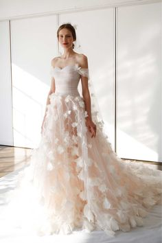 Marchesa 2017 wedding dress collection - Brides reviews collection from New York Bridal Fashion Week April 2016 (BridesMagazine.co.uk)
