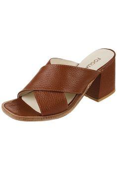 Sandalia de Cuero Suela Foglia Meera Heeled Mules, Slip On, Sandals, Heels, Fashion, Leather Sandals, Zapatos, Shoes Sandals, Moda