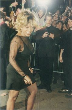 Tina Turner entering Beacon theatre NYC 1999.