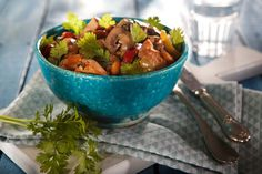 Zencefille Keyiflenmiş Dominant Mantar Kung Pao Chicken, Guacamole, Potato Salad, Main Dishes, Salsa, Stuffed Mushrooms, Mexican, Tableware, Ethnic Recipes