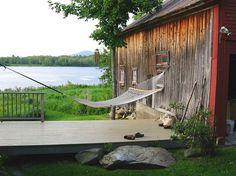Summer Spirit: 25 Cool Outdoor Hangouts with a Hammock!