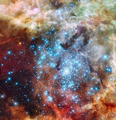 Merging clusters in 30 Doradus CREDIT: NASA, ESA, and E. Sabbi (ESA/STScI)