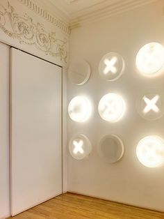 Get a game of tic-tac-toe going on your walls! Unique Lighting, Home Lighting, Lighting Design, Lamp Light, Light Up, Pretty Lights, Entry Foyer, Lighting Solutions, Light Shades