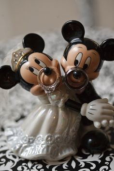 At Home Disney Wedding - Ring Shot {Crystal Lee Photography} uhmmm true story: minnie mouse has my exact ring on her nose Hunting Wedding Rings, Disney Wedding Rings, Disney Inspired Wedding, Disney Weddings, Disney Rings, Disney Cake Toppers, Disney Cakes, Mickey And Minnie Wedding, Mickey Birthday