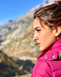 Sara Ali Khan, who is presently in Switzerland shooting for her upcoming film Simmba, recently made our heads turn with a gorgeous photo of herself. Take a look. Sara Ali Khan Photographs SARA ALI KHAN PHOTOGRAPHS | IN.PINTEREST.COM WALLPAPER EDUCRATSWEB