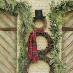 Wreath snowman, could do on lamppost