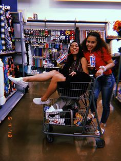 That Reminds me of Jenny pushing me Down A Hill into my Crush's Mustang in a Grocery basket so I Could SIS-E- ❣️ Think Fast ❣️ It's Brandon LoL ❣️ She said ❤️